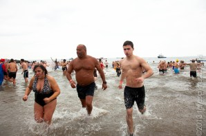 010113_ConeyIsland New Years Day Polar Bear Swim_3450