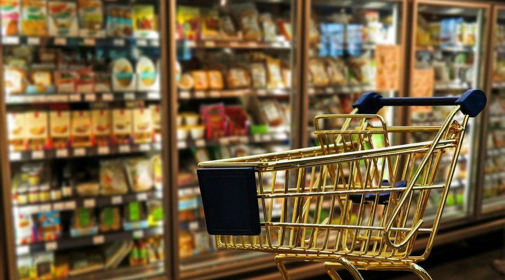 supermarché et caddie