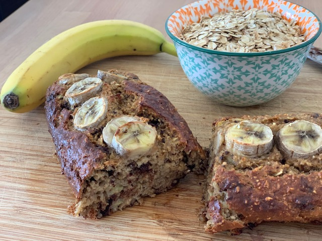 banana bread healthy tranché