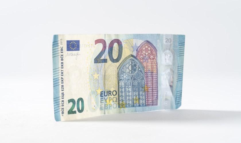 EURUSD bullish above 1.1200 post-UK data