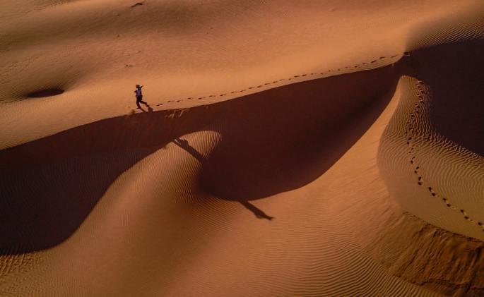 man in desert www.atozmomm.com