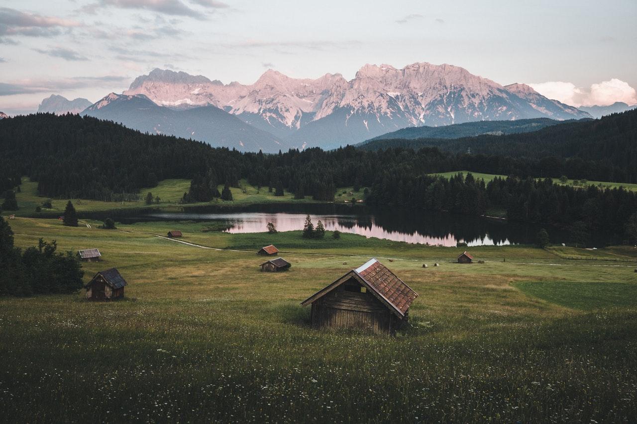 mountain scene www.atozmomm.com