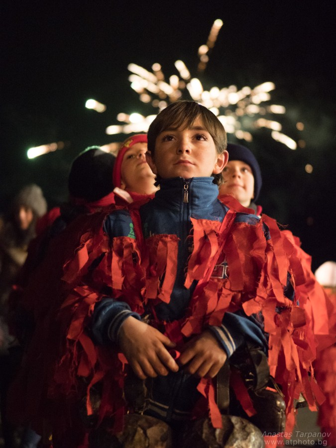 Kuker boys and fireworks - Olympus M.ZUIKO 25mm f/1.2 PRO @ f/1.2, 1/60 ISO 6400