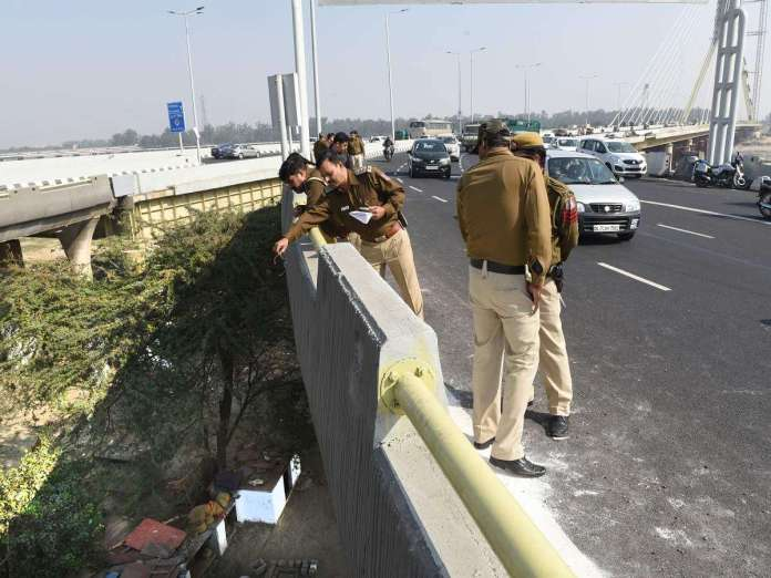 Signature Bridge : Accident and People breaking rules
