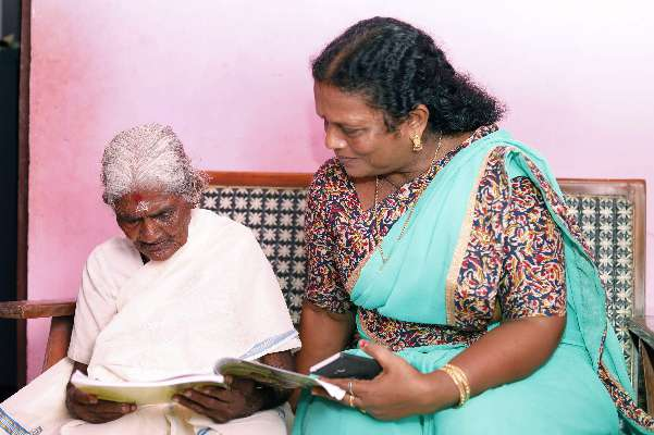 98 Year Old Women was topper of Literacy Mission Exam in Kerela
