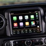 2019 Jeep Wrangler review: Apple CarPlay display