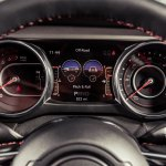 2019 Jeep Wrangler review: 7-inch digital display