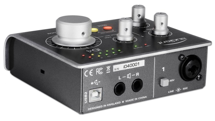 Audient ID4 audio interface (rear panel)