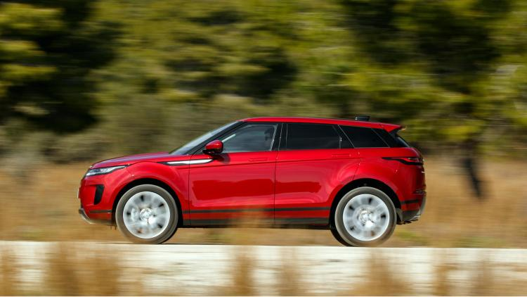 Range Rover Evoque (2019) review: Side view dynamic image