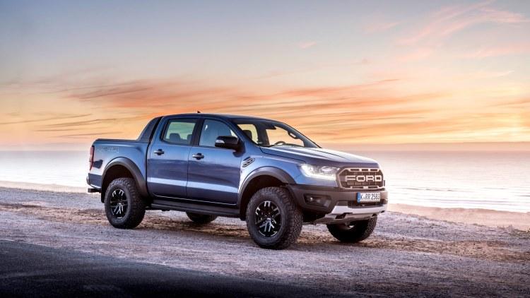 Ford Ranger Raptor front three-quarters
