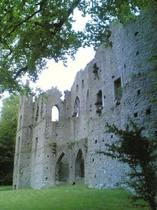 The Jealous Wall, a folly built to resemble a ruined medieval abbey. (Photo credit: Mark O'Neill on Flickr, via cc license)