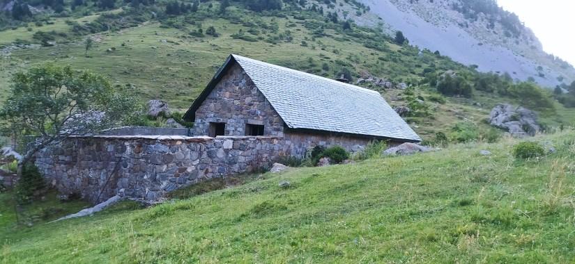 Refugio de Larri
