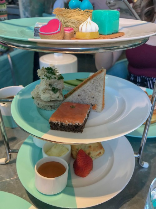 Tea platter in the color of Tiffany Blue and White