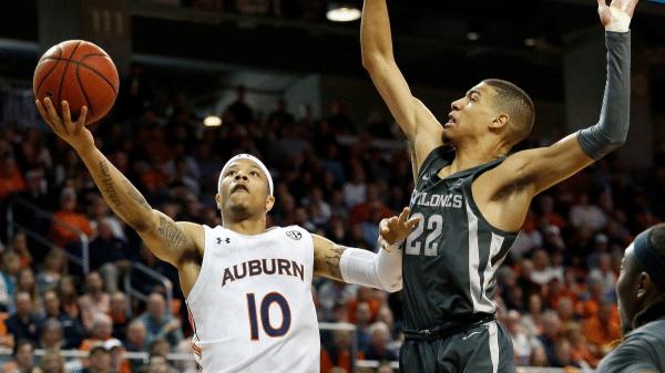 Auburn knocks off No. 13 Kentucky