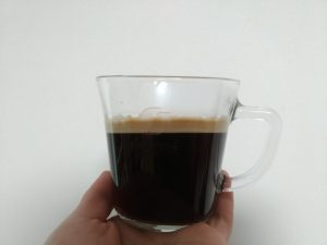 ネスカフェバリスタで淹れたブラックコーヒーの写真