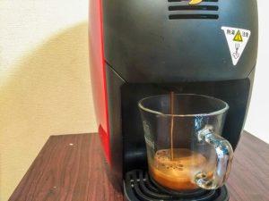 ネスカフェバリスタでコーヒーを淹れている様子