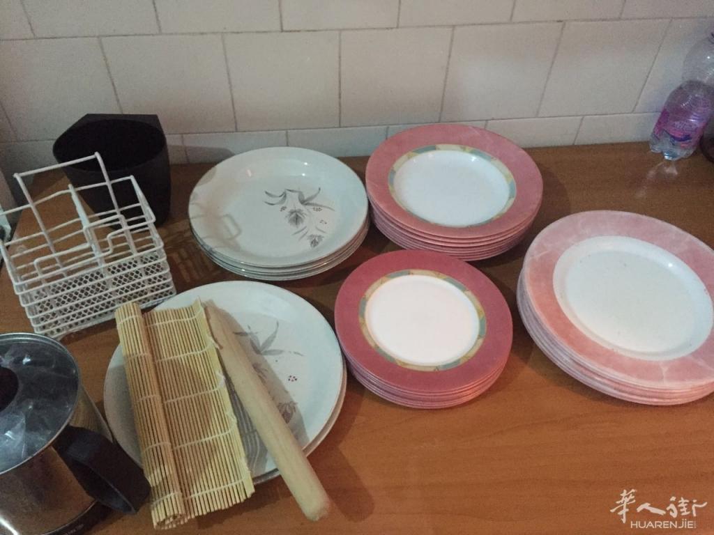 cheap kitchen supplies cabinet styles 图 盘子碗杯子等厨房用具超级便宜出 意大利米兰及周边居家用品区 华人