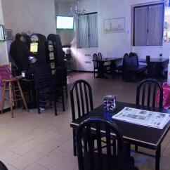 Kitchen Bars For Sale Tall Wall Cabinets 图 Brescia2酒吧出售 3336013436 酒 意大利布雷西亚店铺买卖 华人街 酒吧 厨房 老虎机4 台2500 有100平方 房鉏1050没有spesa 价格好商量