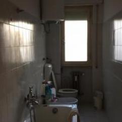 Kitchen Rental Traditional Cabinets Pictures 图 罗马街教堂附近住家三房一厅一厨房出租房租1080包 意大利普拉托整房