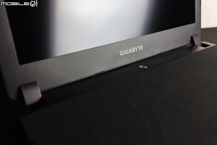 GIGABYTE P35X v3 遊戲筆電 遊戲效能大精進 - Mobile01