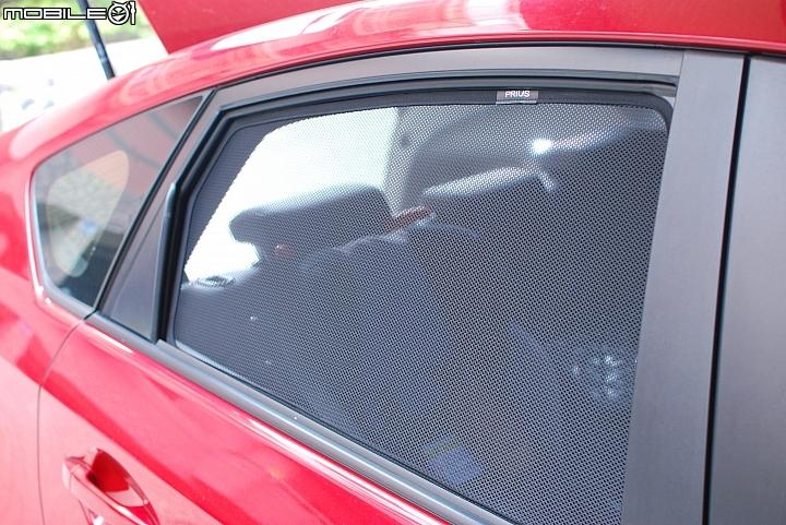 汽車窗簾與隔熱紙選擇,而且我會注意到這家遮陽簾是因為在看特斯拉電動車相關資訊時,遮陽與隔熱... - Mobile01
