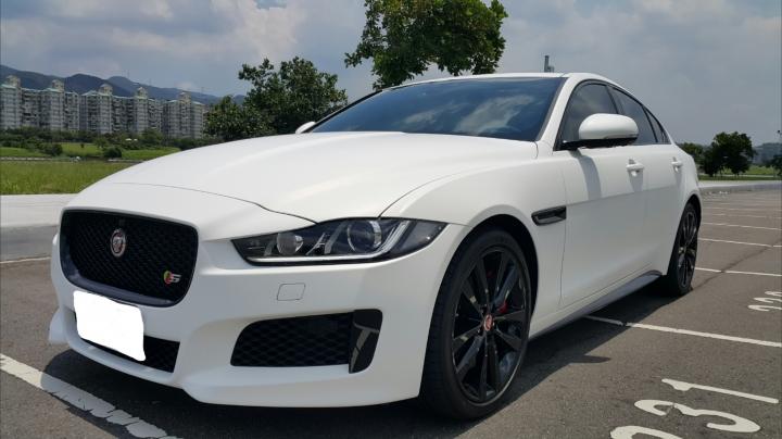Jaguar XE S 開箱 - Mobile01