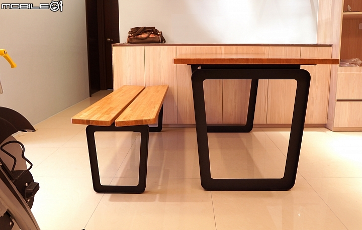 bench for kitchen table oil rubbed bronze faucet 簡約開箱 餐桌 長凳椅進門 空間設計與裝潢 居家討論區 mobile01 簡單跟大家分享新家 裝潢大致好了 家具陸續進來去看過這個新興品牌的實品 做工質感都沒甚麼好挑剔的 我們也很喜歡簡約的設計風格餐桌材質是櫻桃木 長凳材質是紅