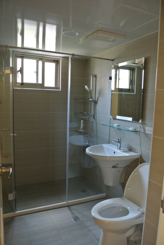 浴室磁磚挑選 - Mobile01