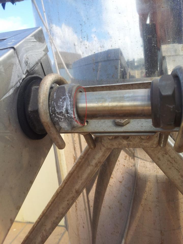太陽能集熱板接頭漏水 - Mobile01