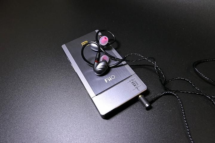 [開箱評測]FiiO Q5 旗艦多功能隨身耳機功率擴大器&FiiO F9 PRO入耳式耳機~動人的雙人協奏曲~ - Mobile01