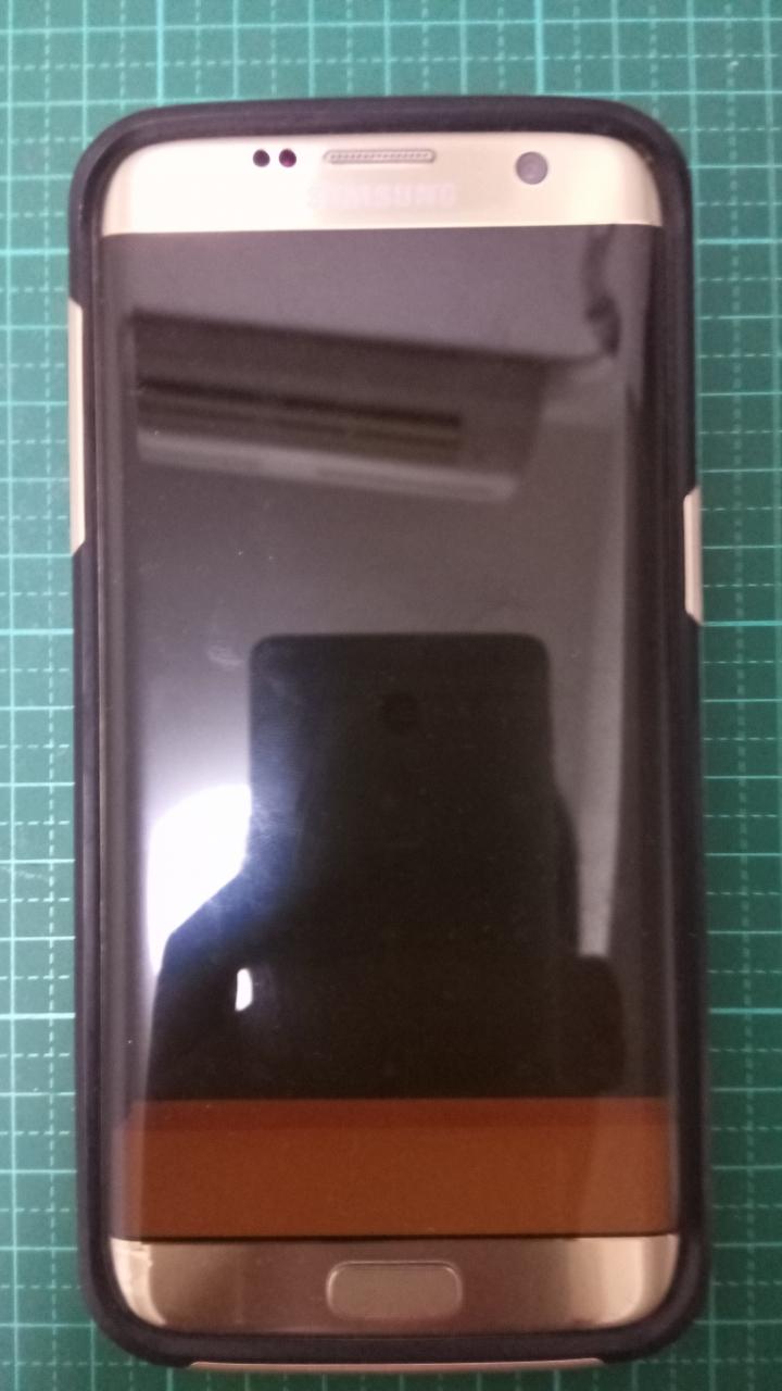 S7 edge 螢幕白色條紋 - Mobile01