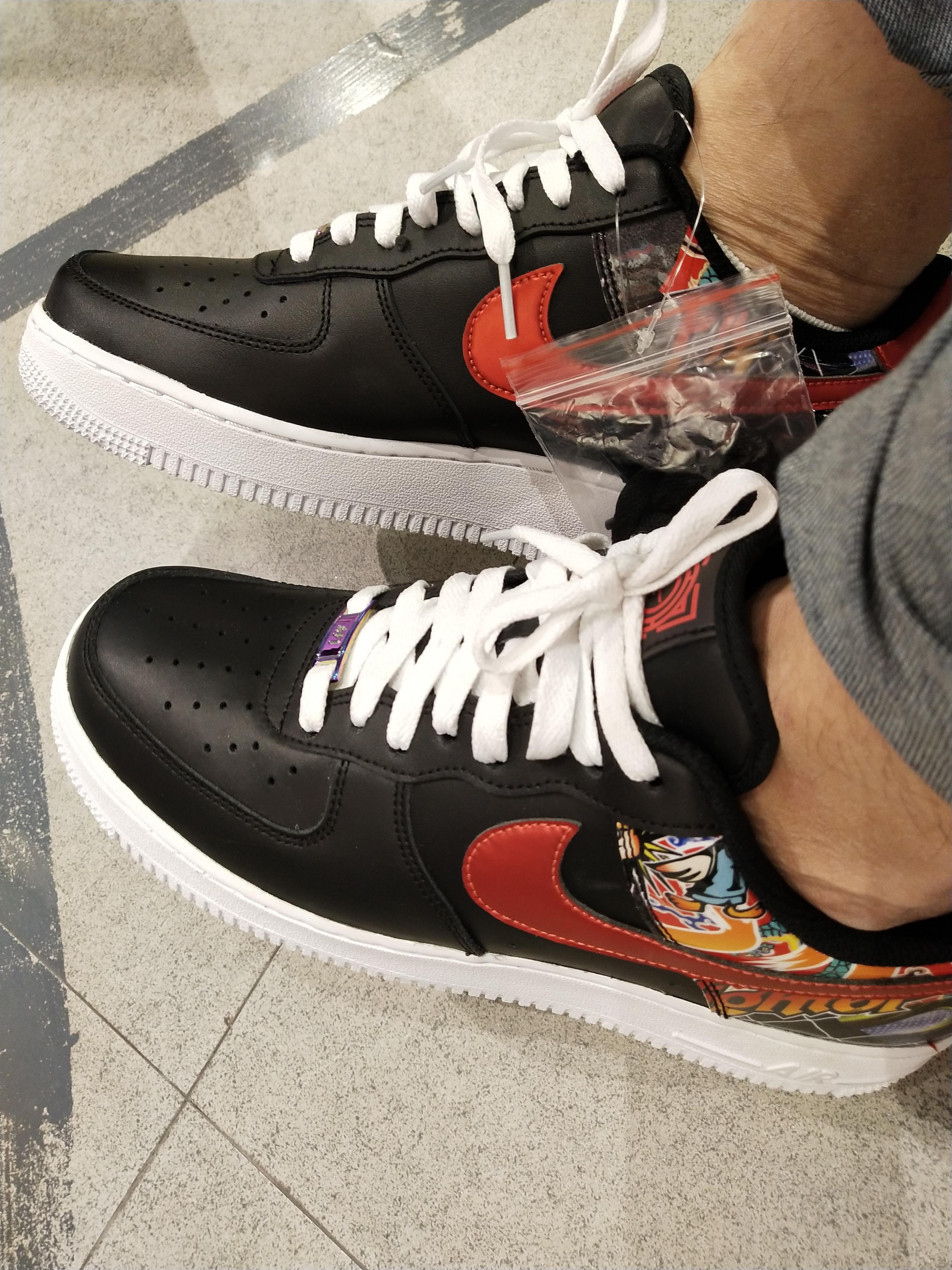 震驚!臺北Nike旗艦店購物被掉包,被拆穿后店家竟怪我沒當場提出! - Mobile01