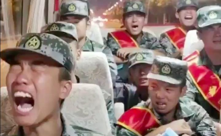 解放軍不哭!「國軍薪水」曝光網驚呆 - Mobile01