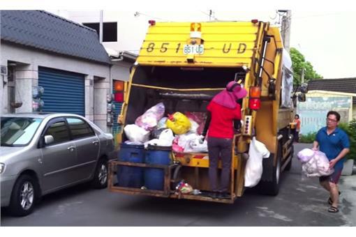 PTT熱文/哥太激動了啦 追垃圾車有必要這樣嗎? | 生活 | 三立新聞網 SETN.COM