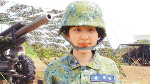 軍中「嬌」點!曾拍陸軍形象月曆 美女士兵超吸睛   生活   三立新聞網 SETN.COM