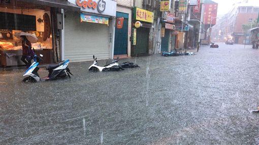 暴雨強襲!雙北市,基隆市淹水一級警戒 | 生活 | 三立新聞網 SETN.COM