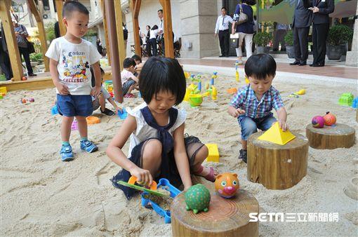 媽媽寶寶: 水世界,積木城堡!搶攻暑假親子市場 飯店變身兒童樂園