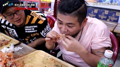 [新聞] 挑戰吃101隻蝦頭 網紅:「吃完頭很脹 - Gossiping板 - Disp BBS