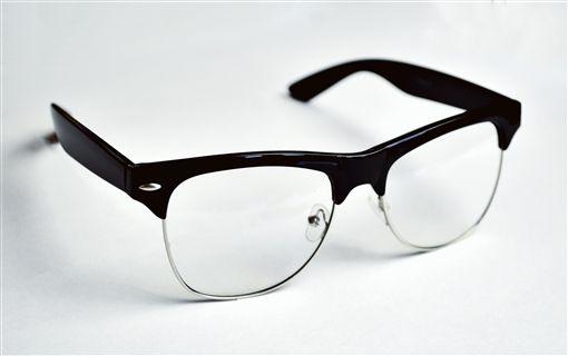 透視眼鏡只賣2880元!他追問了這句話 讓賣家一秒暴走   生活   三立新聞網 SETN.COM