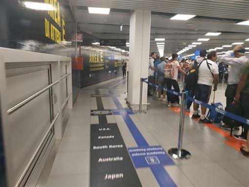 獨/不只快速通關!義大利海關看我國護照暖喊Taiwan | 政治 | 三立新聞網 SETN.COM