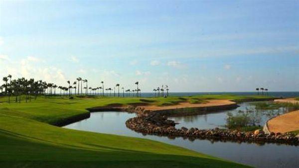 挑戰國際標準18洞高爾夫球場 享受一桿穿越南海的暢快感 │ 旅遊頻道 │ 三立新聞網 SETN.COM