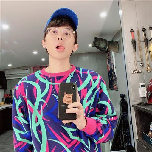 反骨男孩「酷炫」人生勝利組?這點全網讚爆:完勝其他網紅 | 娛樂星聞