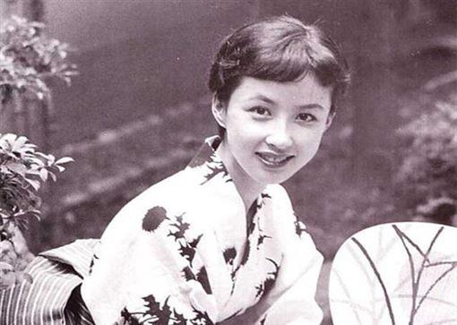 19歲日本藝妓嫁總統!53歲大尺度拍寫真 | 生活 | 三立新聞網 SETN.COM