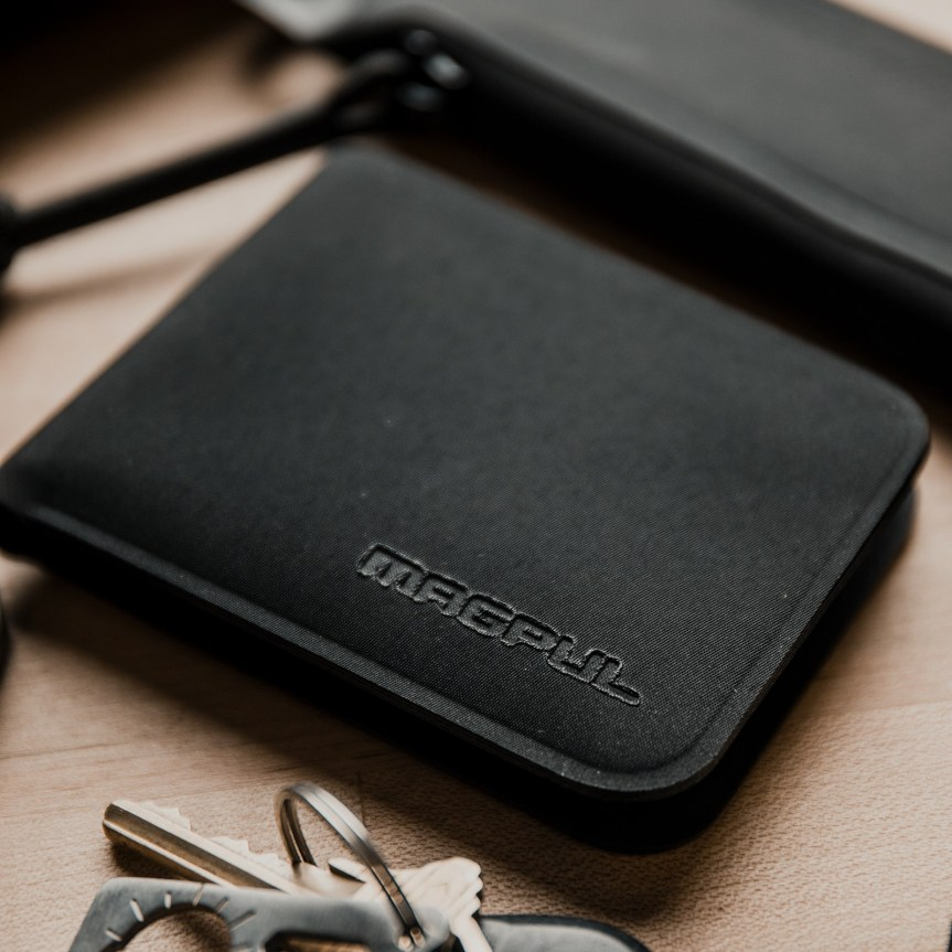 magpul industries daka wallets tactical wallet thinnest wallet for men 2