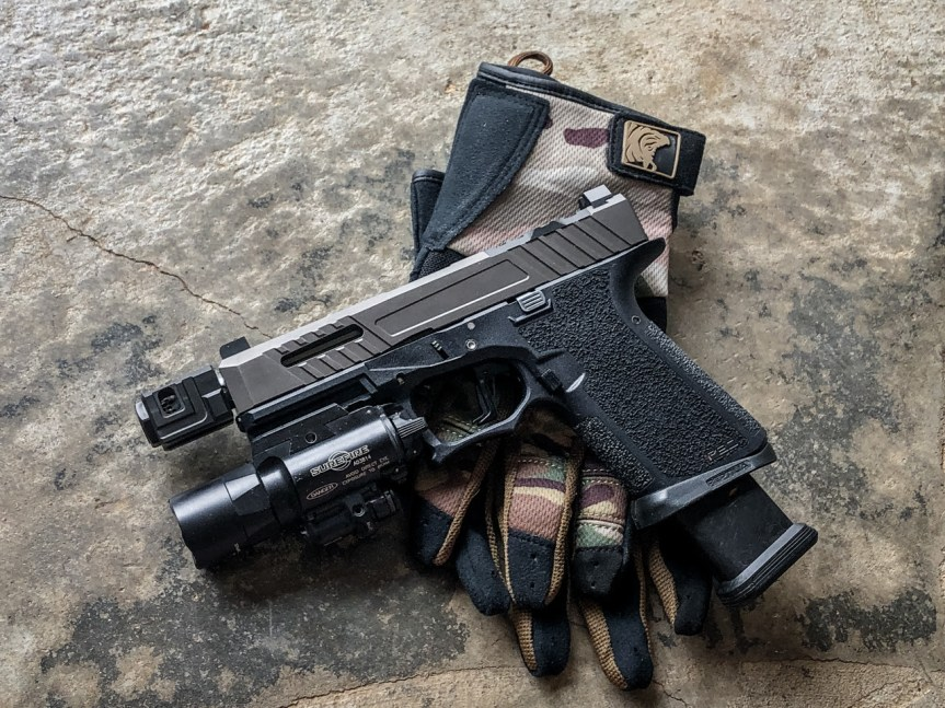 reptilia corp black hole magwell for glock pistols polymer magwell for glock  1.jpg
