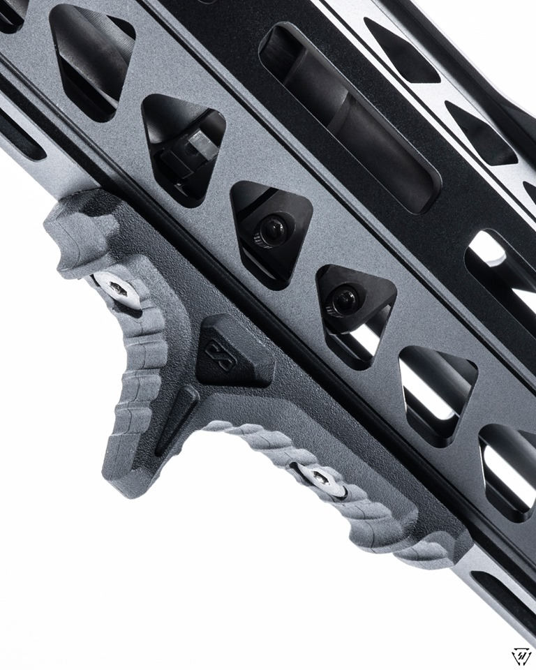 strike industries link anchor handstop for the ar1 mlok handstop for keymod rail 4