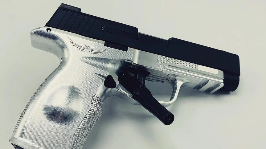 icarus precision billet aluminum grip frame p365 aluminum grip frame made out of metal for the p365xl ace p365Xl grip frame 1.jpg