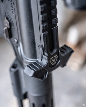strike industries polymer iso latch upgrade SI-AMBI-ISO LATCH latchless charging handle for the ar15 gas buster charging handle