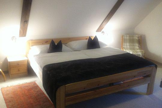 Modernes Zimmer der Hotel-Pension Bachtaverne