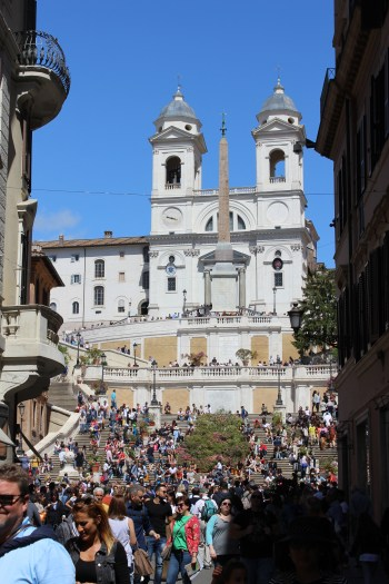 Spanish steps are one of the most popular meeting points in Rome as it was also today